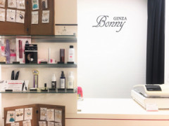 GINZA Bonny(ギンザボニー)東日本橋店の店舗内装写真