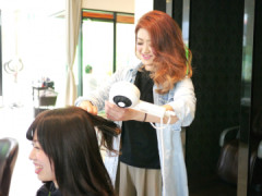 HAIR & MAKE EARTH(ヘアーメーク アース)長崎時津店の店舗内装写真