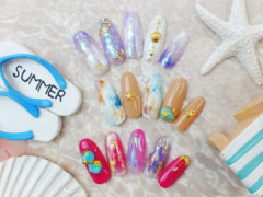 She's nail(シーズネイル)新宿西口店の店舗内装写真